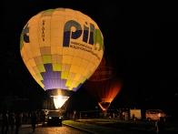 ночное шоу-свечение воздушных шаров на Набережной