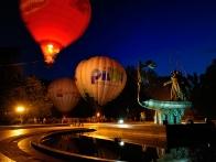 Свечение воздушных шаров на набережной Днепра