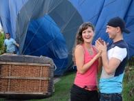 Путешествие на воздушном шаре с любимым человеком — это событие добавит трогательности и нежности в Ваши отношения.