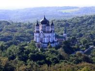 Монастырь Великомученника Пантелеймона в Феофании. Вид с воздушного шара