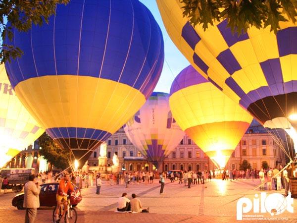 Подсветка воздушного шара, вечернее свечение шара - красивейшее зрелище