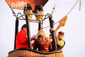Key-grab - это соревнование пилотов тепловых аэростатов на точность